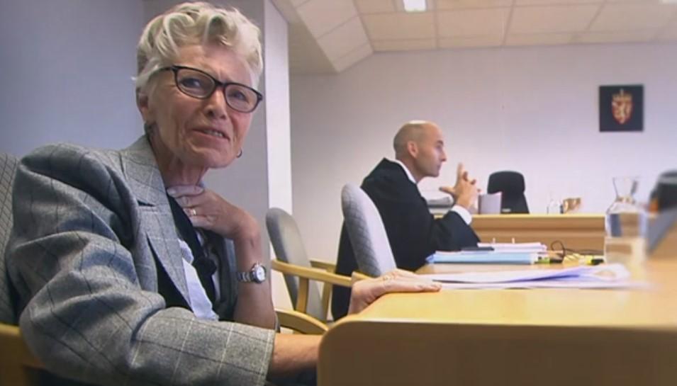 FAKSIMILE: NRK Dagsrevyen 16.06 2018. Her er Gerd-Irene Lyse går til retten for erstatning etter yrkesskade
