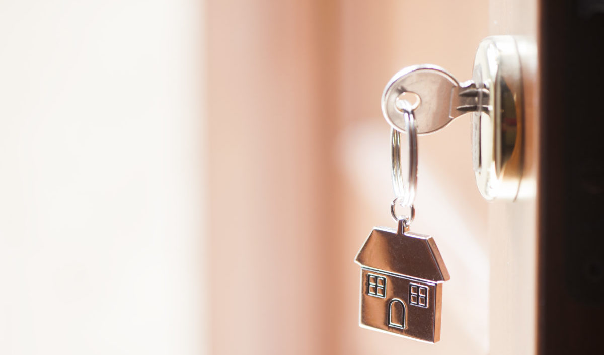 Hus, nøkkel, dør, illustrasjonsfoto innboforsikring Ness Lundin